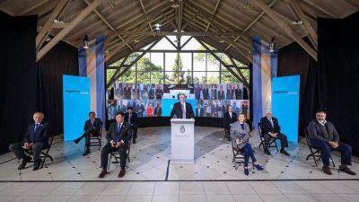 Los zigzagueos del pacto social: Alberto Fernández diseñó una foto acuerdista, pero se desdibujó con el teletrabajo y los bloqueos de Moyano