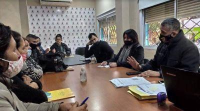 Conexión al agua potable y la seguridad, temas de la reunión entre vecinos de Las Tacuaritas y funcionarios