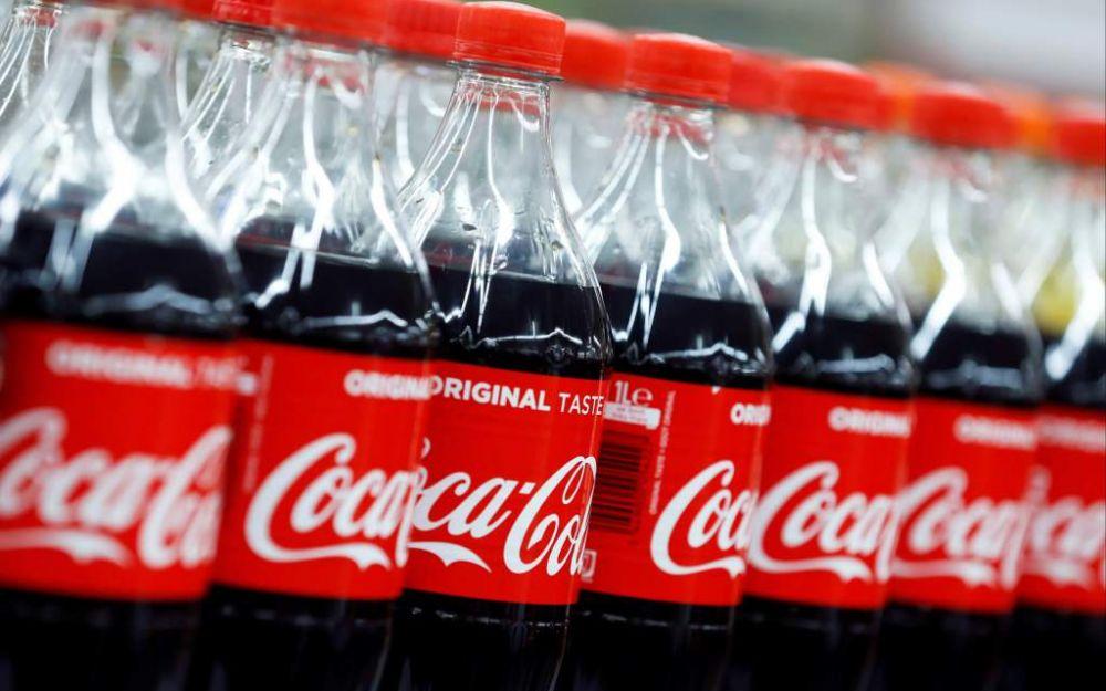 Ventas de Coca-Cola se desploman 28% por cierres de bares y restaurantes