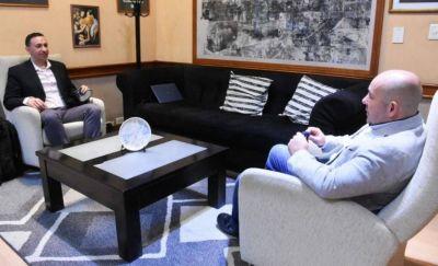Maderna recibió a Gustavo Sastre por la situación del Girsu