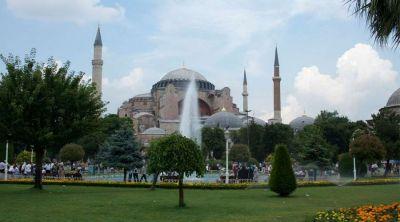 Anuncian día de duelo por conversión de Santa Sofía en mezquita