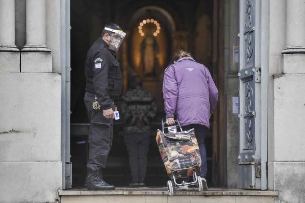 Prudente regreso a los templos porteños tras reclamos y un largo confinamiento