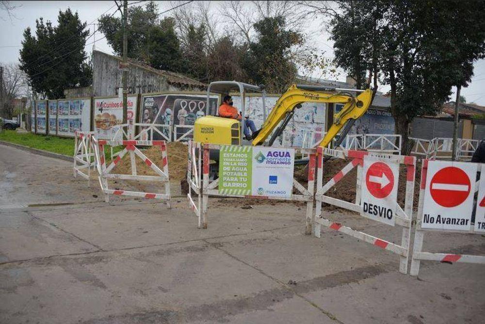 Continúan las obras de cloacas, estación de bombeo y agua potable en Ituzaingó