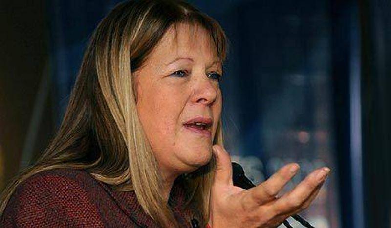 Stolbizer instó al Congreso a tratar los proyectos para paliar la pobreza