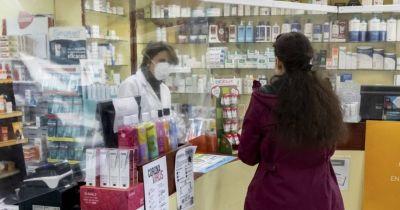 La rebelión de los esenciales: empleados de farmacia en alerta en demanda de aumento salarial