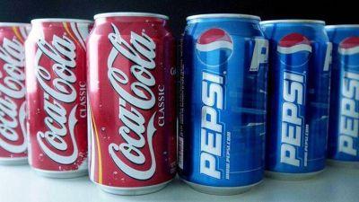 Coca-Cola y Pepsi bailan sus cifras: quien más vende, menos gana (y viceversa)