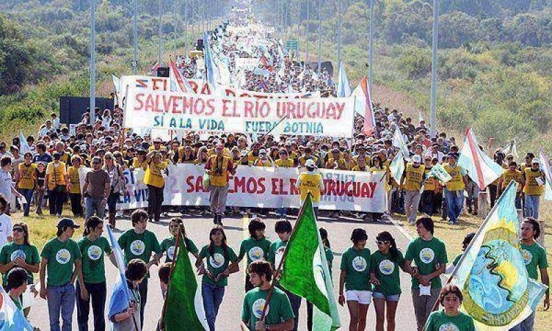 Gualeguaychú: Asamblea Ambiental levantará el corte por el partido de la Selección ante los uruguayos