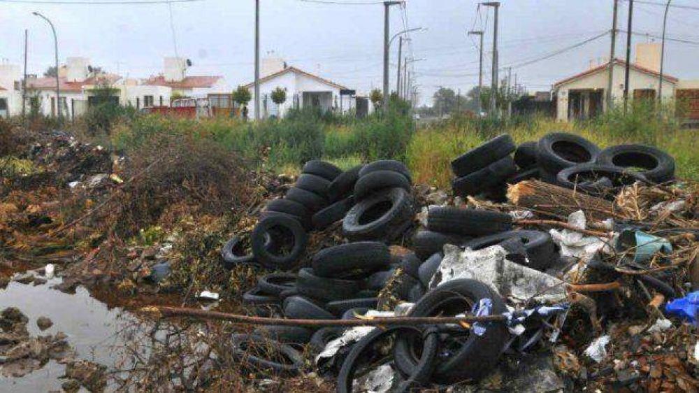 La comuna de Wheelwright firmó un convenio para reciclar neumáticos