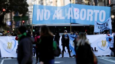 Crece la presión para que Larreta vete la adhesión al protocolo de abortos no punibles