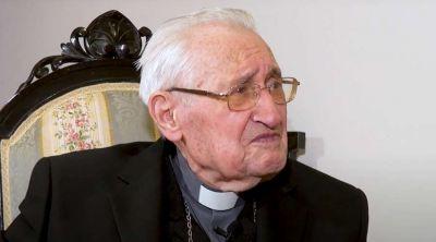 El Obispo más longevo del mundo da este consejo a los jóvenes