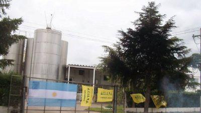 Denuncian la muerte de un empleado de Lácteos Vidal que fue obligado a trabajar sin protocolos