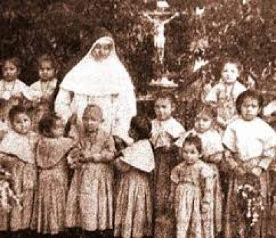 Primeros pasos en la Causa de Canonización de la madre Elmina Paz-Gallo