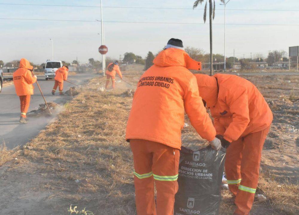 La Capital continúa con los trabajos para mantener la higiene urbana