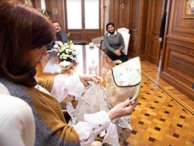Las reuniones de Cristina Kirchner con referentes de movimientos sociales desataron debates dentro y fuera del Gobierno
