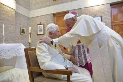 A los 93 años, el papa emérito Benedicto XVI está