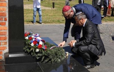 Holocausto: Acto interreligioso en el campo de exterminio de Auschwitz