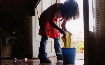 Más de 330 mil trabajadoras de casas particulares son informales en el AMBA