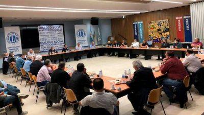 La CGT le brindó un fuerte respaldo público al Gobierno, pero en privado hubo críticas por la falta de diálogo