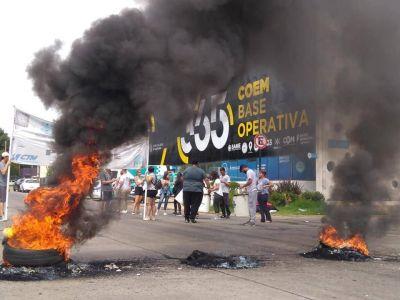Corte y manifestación por despidos en La Plata