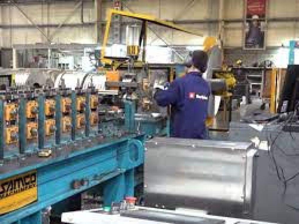 Indec: la industria frenó su caída en junio y mejoró contra mayo
