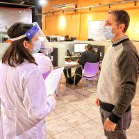 Fernando Gray visitó el Centro de Seguimiento de Pacientes con covid-19 y Contactos Estrechos