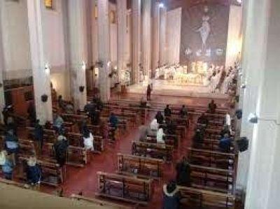 Mons. Domínguez llamó al clero a ungir al pueblo con alegría y esperanza