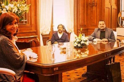 Cristina Kirchner trabaja en un rediseño de los planes sociales con los dirigentes barriales