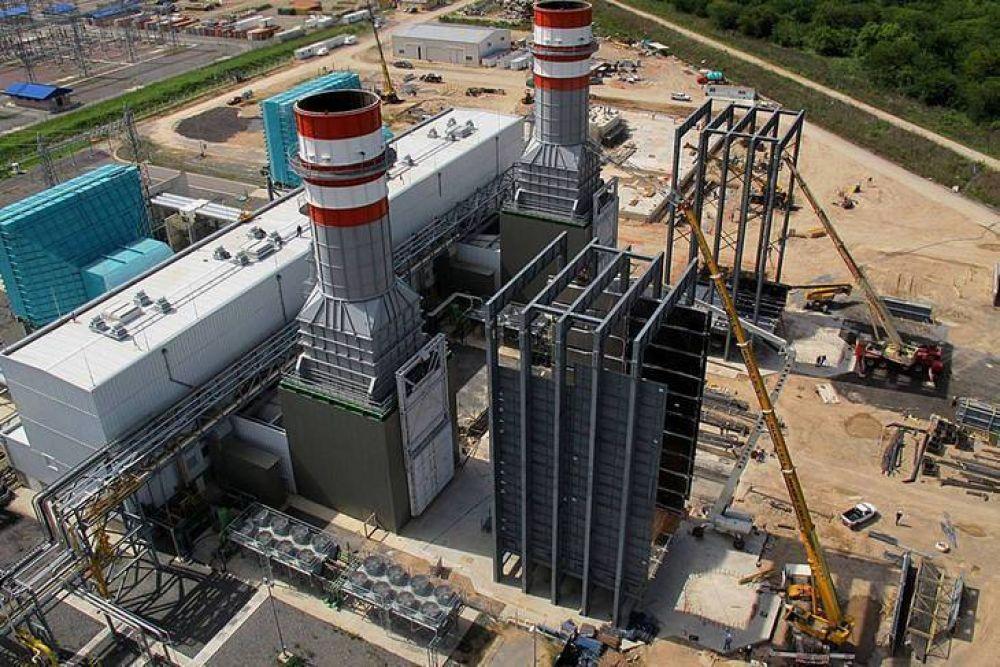 Denuncian que Macri privatizó centrales eléctricas por 376 millones de dólares menos que su valor real