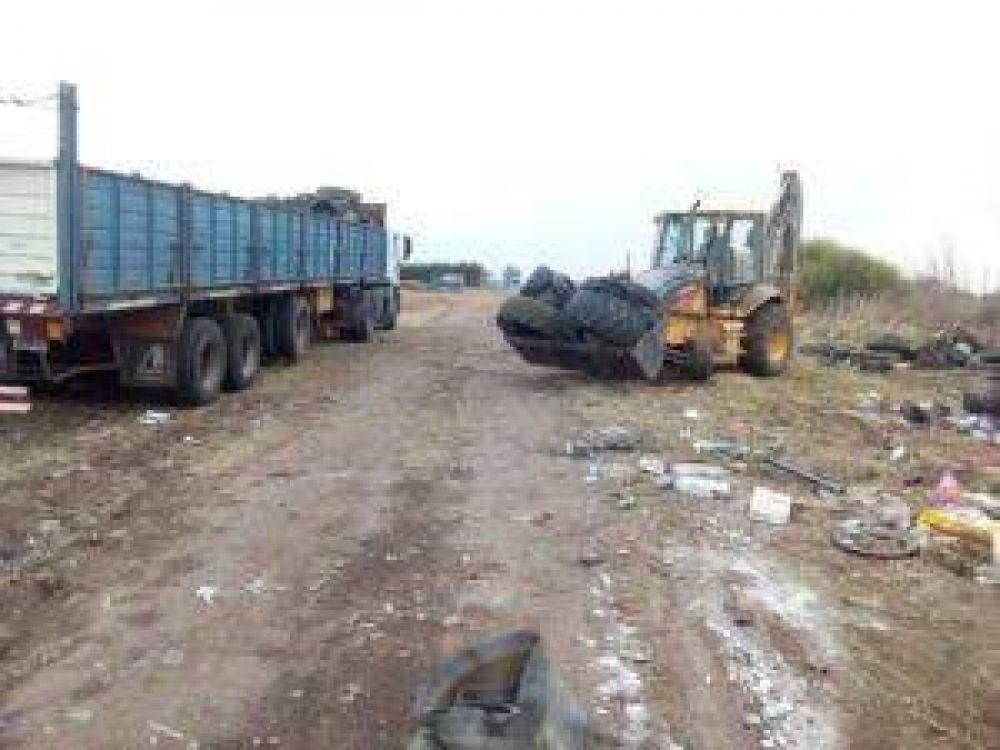 Colón: Traslado de neumáticos en desuso a reciclado