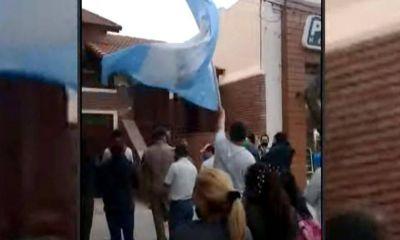 Trabajadores llevaron el reclamo salarial a la casa del dueño de Vicentín