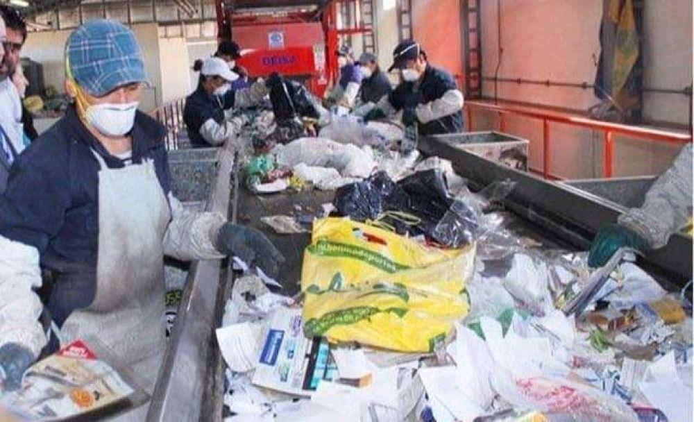 Reanudaron proceso de separación en la Planta de Residuos