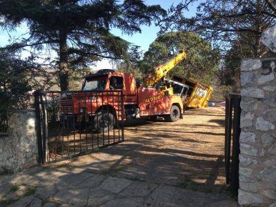 Camión de COTRECO se quedó sin frenos y terminó en una pileta