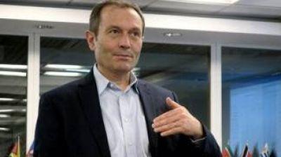 Argentina también pide postergar elección en el BID y ratificó a Beliz como candidato