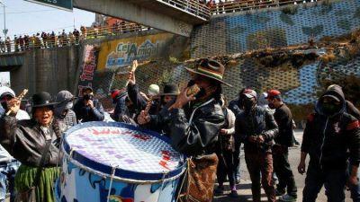 Bolivia sacudida por la violencia, obispos se ofrecen para facilitar diálogo