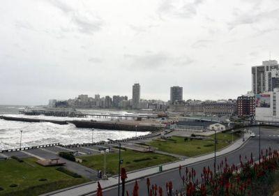 Reunión del Intendente y empresarios del turismo proyectando las estrategias para el verano 20/21