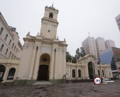 Habilitaron la apertura de Iglesias, pero no pueden oficiar misas