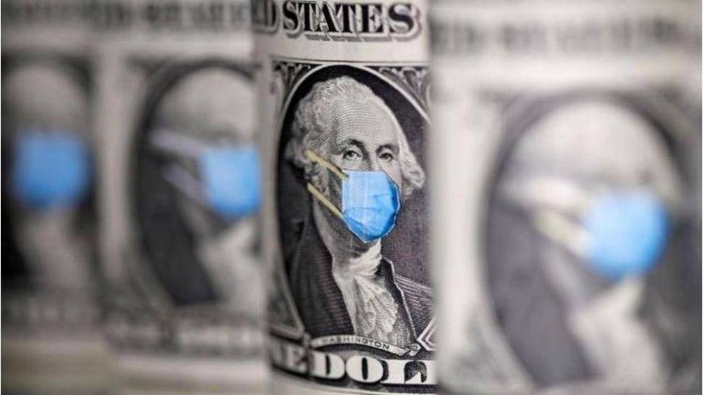 El dólar se tomó un respiro en el final de una semana agitada