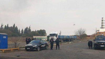 Gremio retiene a dos directivos de Techint por un bloqueo en protesta por despidos