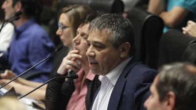 La Ciudad presiona desde la Legislatura para abrir bares y restaurantes al aire libre