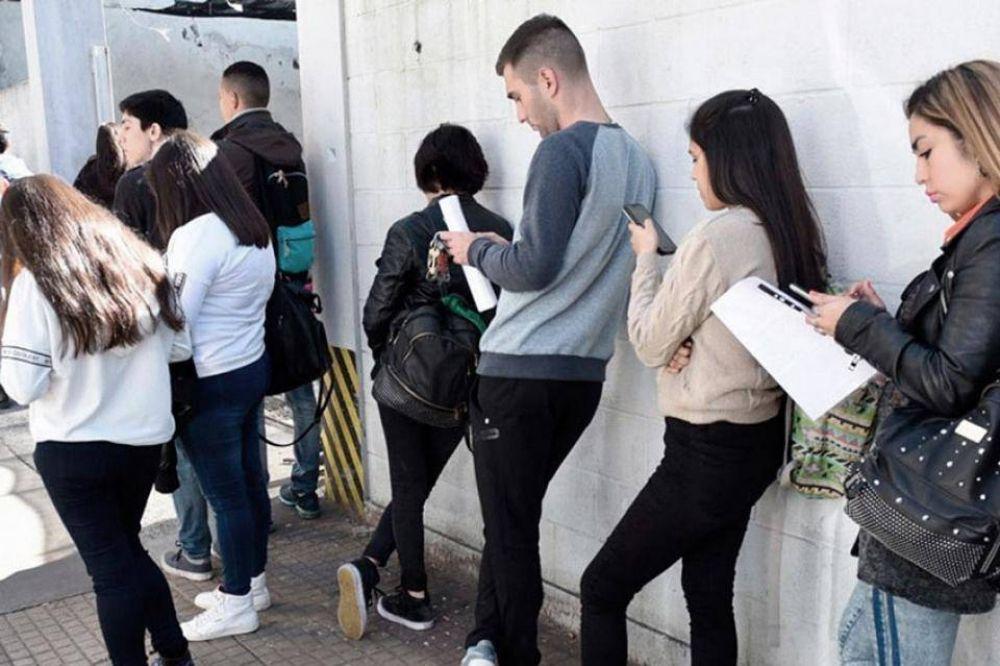 Macri peor que la pandemia: los salarios y el empleo cayeron más en 2019 que en 2020
