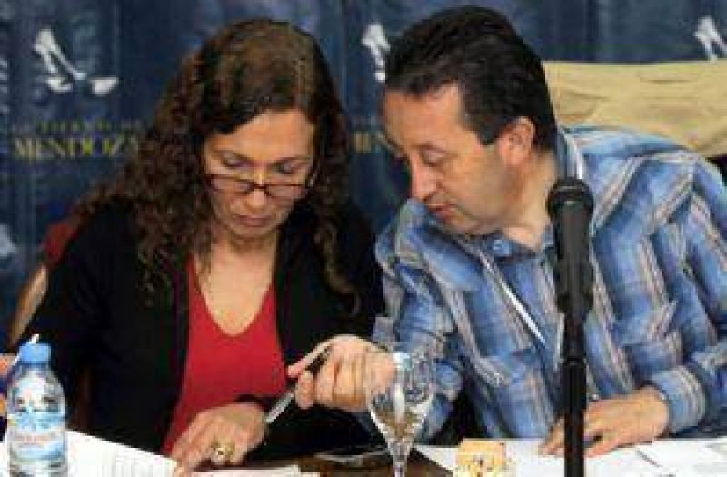 Presupuestan 22% m�s de fondos para Mendoza; dudas en varias obras
