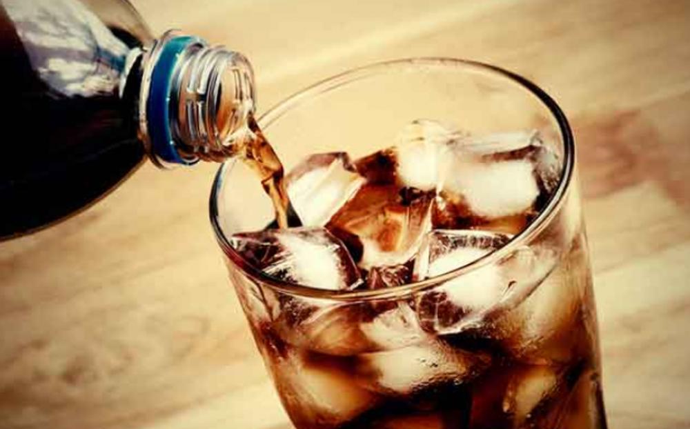 Confinamiento provocó alto consumo de bebidas azucaradas y comida chatarra