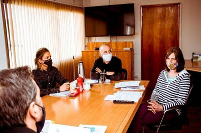 Gobierno trabaja con la Fundación Garrahan en las gestiones para el envío de reciclables a Buenos Aires