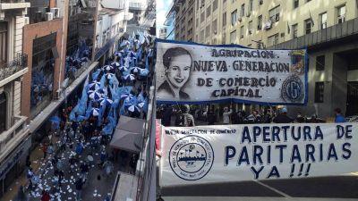 Opositores movilizaron para pedirle a Cavalieri que reactive las paritarias y sube la temperatura en la interna mercantil