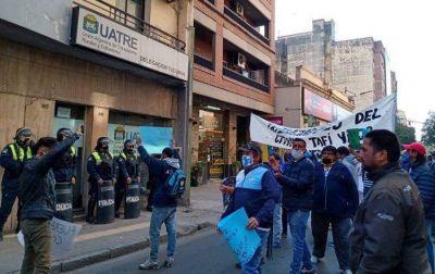 Tucumán: Peones rurales furiosos con la conducción de