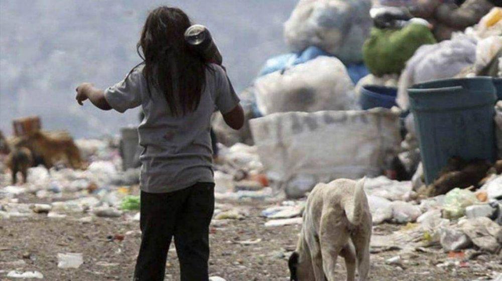 En julio una familia necesitó más de 44.500 pesos por mes para no caer en la pobreza