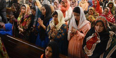 Las mujeres y las niñas son el primer blanco de la persecución religiosa