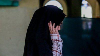 Drama en Francia: una adolescente musulmana fue rapada y golpeada por sus padres por enamorarse de un cristiano
