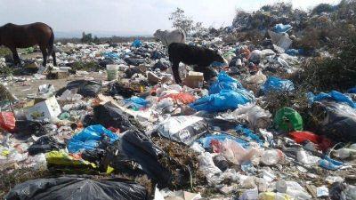 La Cumbre: Tras la denuncia, el municipio mandó a limpiar el basural