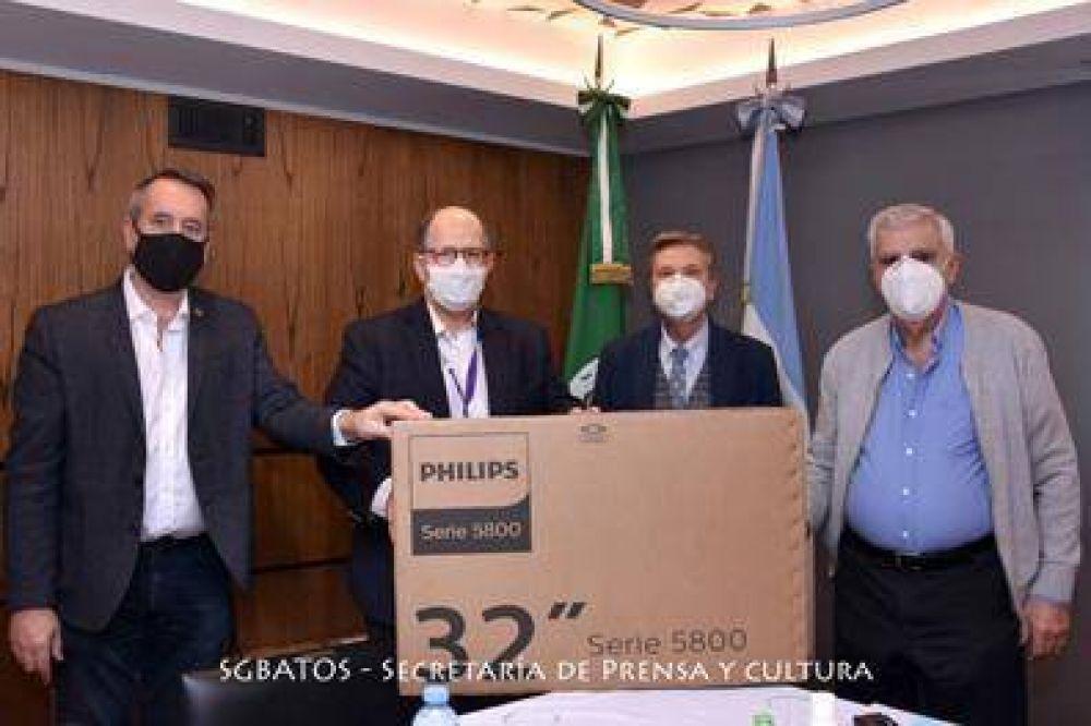 El SGBATOS donó 4 TV al Hospital Garrahan